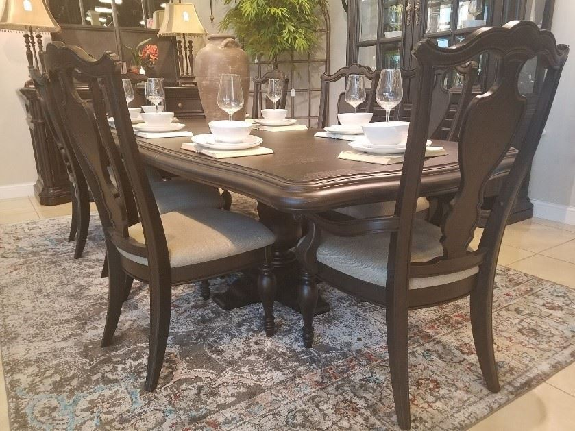 Picture of SIMONE DINING ROOM SET